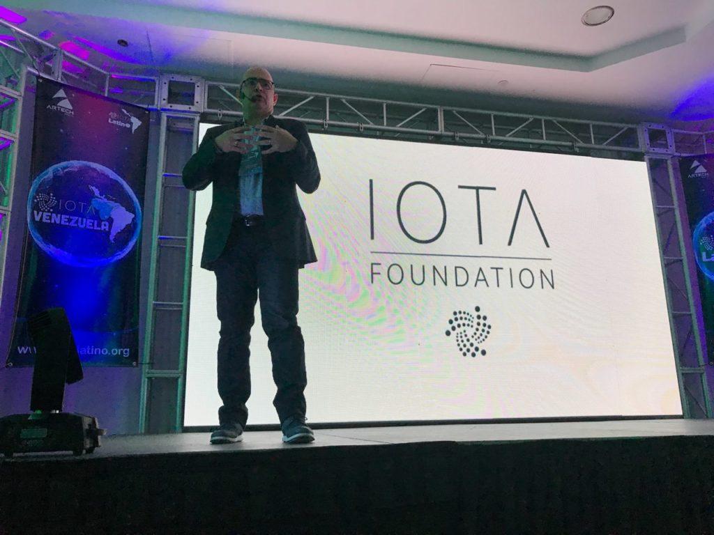 Saul Ameliach, Host del primer Meetup de IOTA Lartino en Venezuela